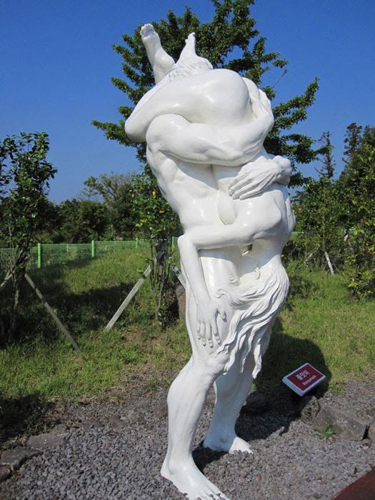 Скандальные скульптуры.
