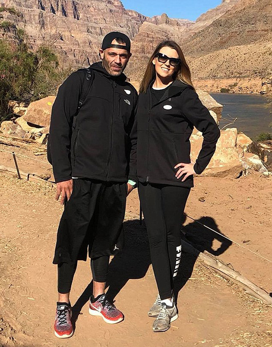 В январе этого года пара съездила в Лас-Вегас и Гранд Каньон, где заплатили 500 долларов за полет на вертолете над каньоном.