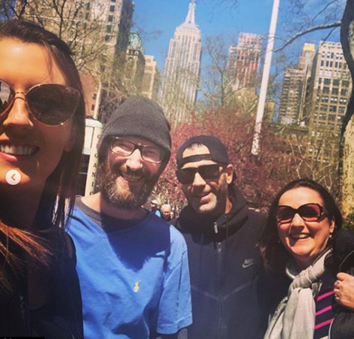 В апреле пара взяла Джонни с собой в поездку в Нью-Йорк.