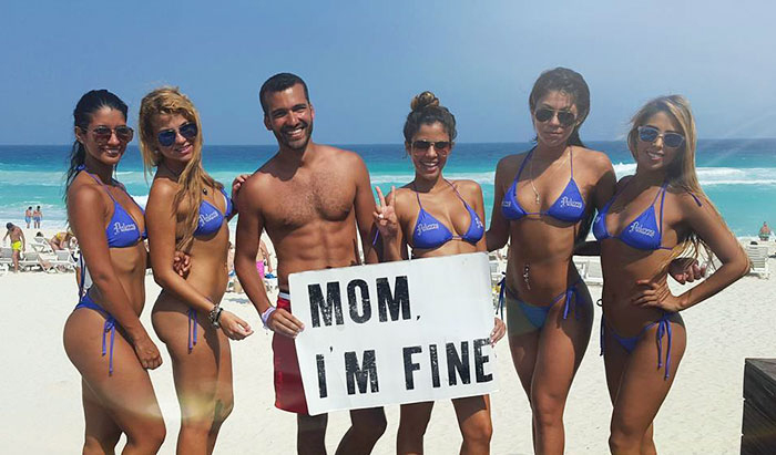 Мам, я  порядке! Мексика, Канкун. Инстаграм Джонатана Киньонеса.