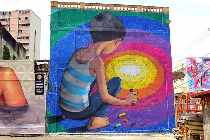 Цвет - это закон.  Автор: Julien Malland. Пуэрто-Рико.