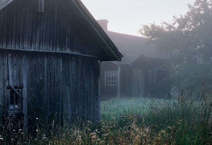 Заброшенные дома в глубинке Финляндии. Автор фото: Kai Fagerström.