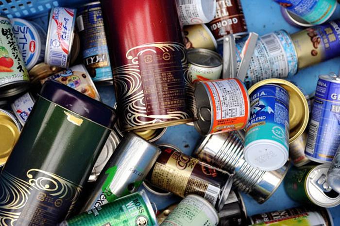 Каждый житель города должен делить свой мусор на 34 категории.