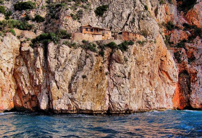 Скит Карули на горе Афон в Греции.