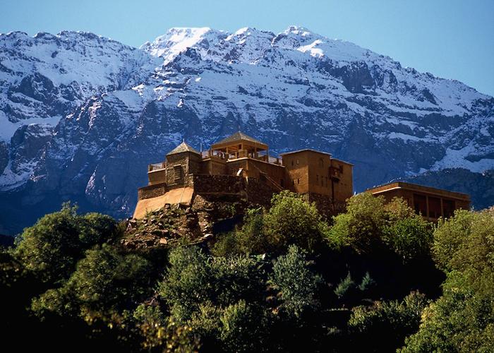 Отель высоко в горах.