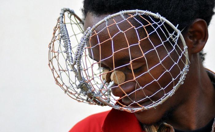 Очки на любой вкус от кенийского дизайнера.