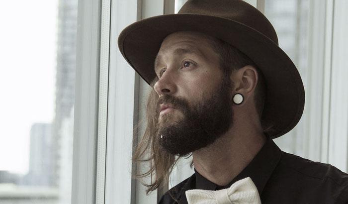 Заколки подходят как носителям длинных бород, так и коротких.