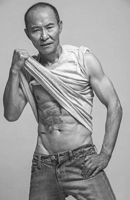 Физическая форма 61-летнего китайца может дать фору многим 30-летним.