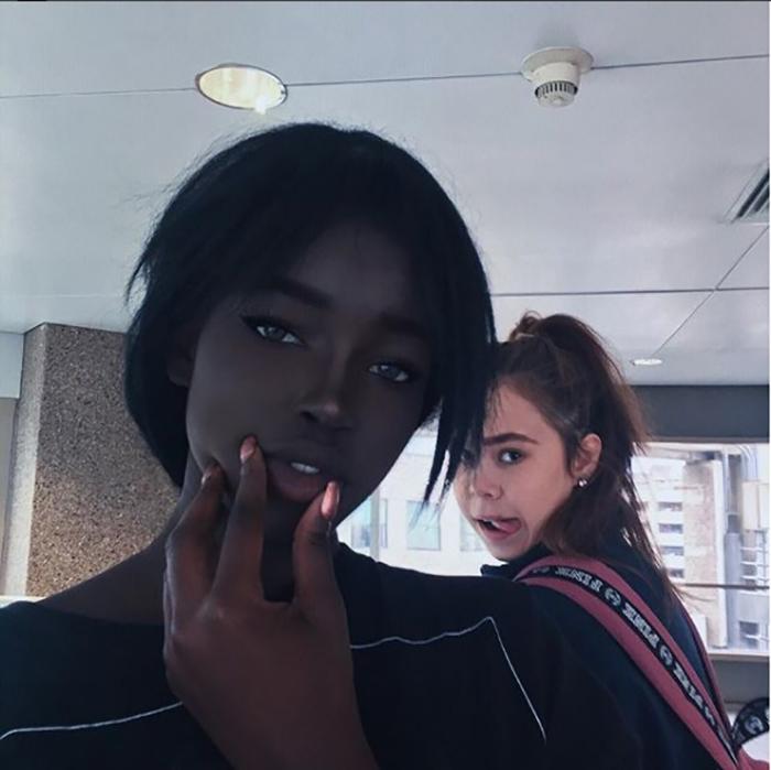 Девушка с очаровательными глазами.  Instagram typicalblackmum.