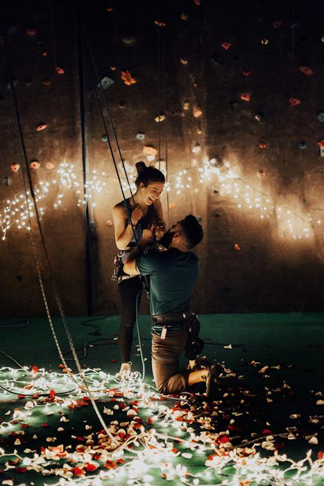 Луис пригласил фотографа Индиа Эрз запечатлеть важный момент их совместной истории.