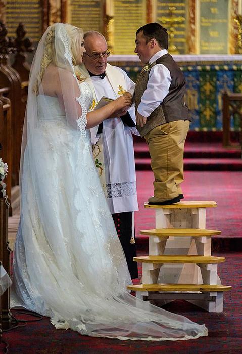 Церемония свадьбы Джеймса Ластеда и Хлои.