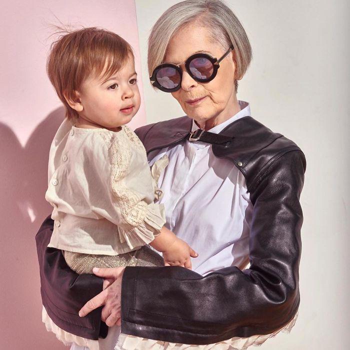 Лин со своей внучкой. Instagram iconaccidental.