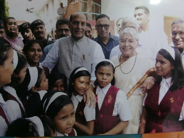 Сароджини Агарвал старается дать своим девочкам самое лучшее образование.