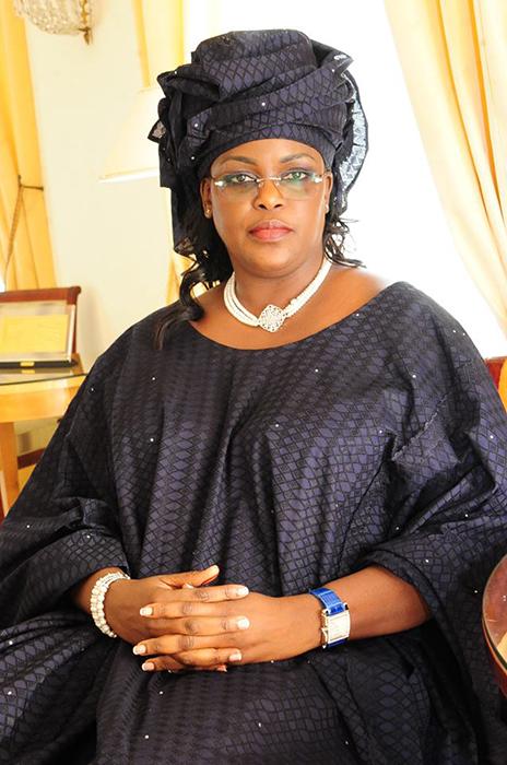 Первая леди Сенегала Мариэм Файе Салл, которая помогла семье Ибрагимы переехать в Великобританию.
