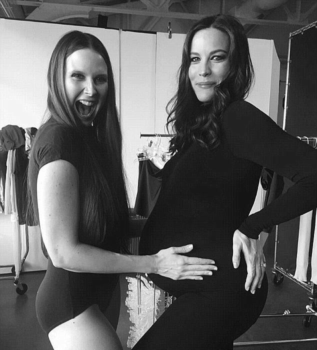 Мэри тренировала Лив Тайлер, когда та была беременной.