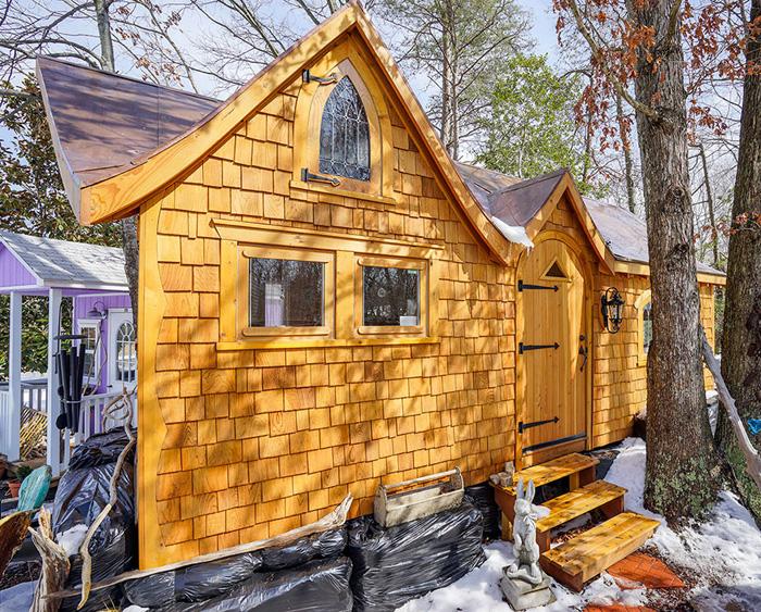 Деревянный домик.