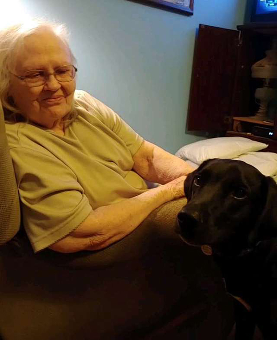 Бабушка и Мейсон.