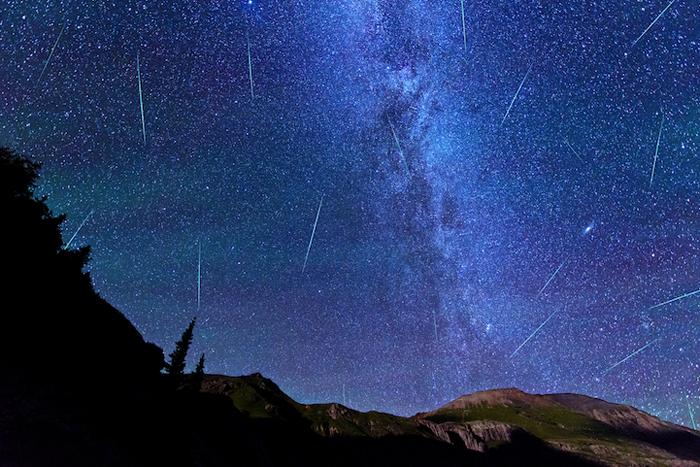 Метеоритный дождь: Мэтту удалось запечатлеть след от 19 метеоров за 3 часа экспозиции.