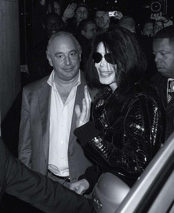 Майкл Джексон возвращается с вечеринки с сером Филлипом Грином. Фото: Max Butterworth.