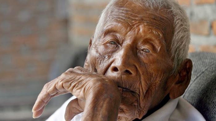 Saparman Sodimejo - самый старый человек на планете.