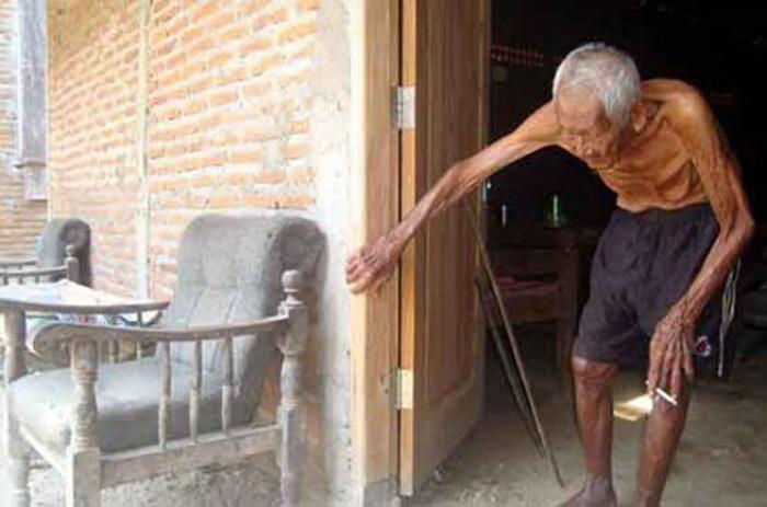 В свои 146 лет Мба Гото все еще может передвигаться без посторонней помощи.