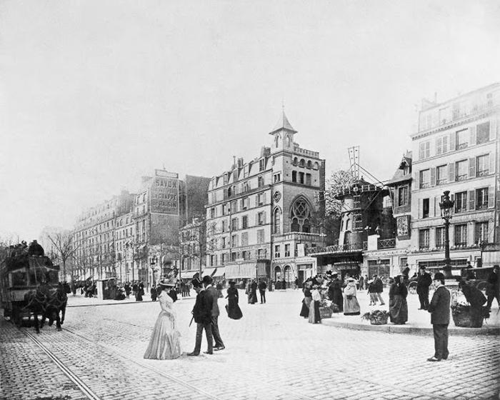 1890 год - первоначальный вид кабаре Мулен Руж.