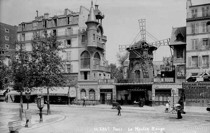 1895 г. Мулен Руж в Париже.