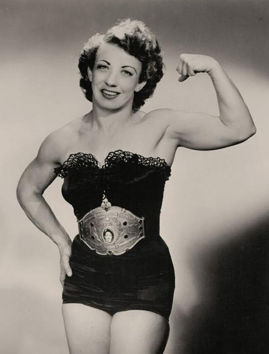Mildred Bliss, также известная как  Mildred Burke.