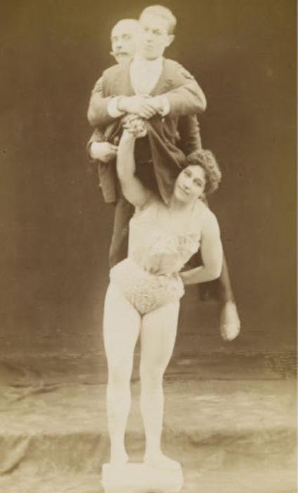 Athleta Van Huffelen, 1890е.