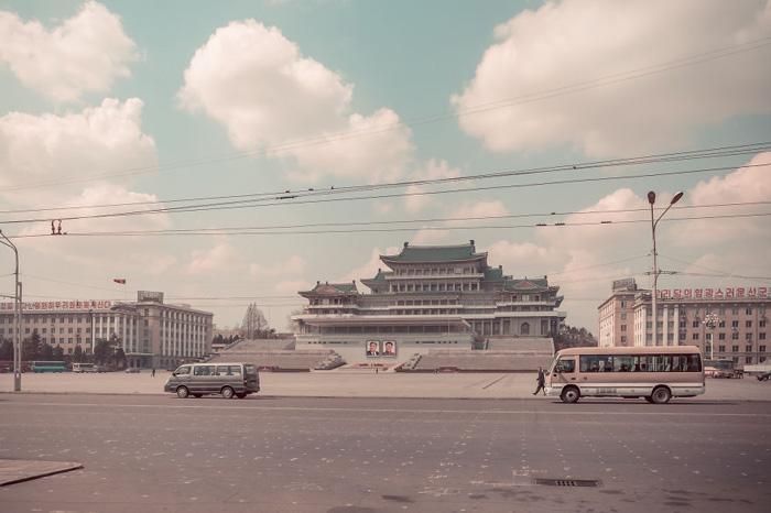 Улицы Пхеньяна. Автор фото: Helene Veilleux.