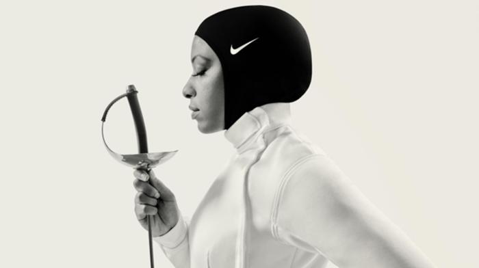 Ибтихадж Мухаммад (Ibtihaj Muhammad), выступившая на Олимпиаде в Бразилии за сборную США.