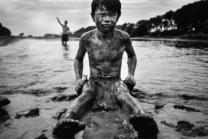 На берегу. Фото: Niki Boon.