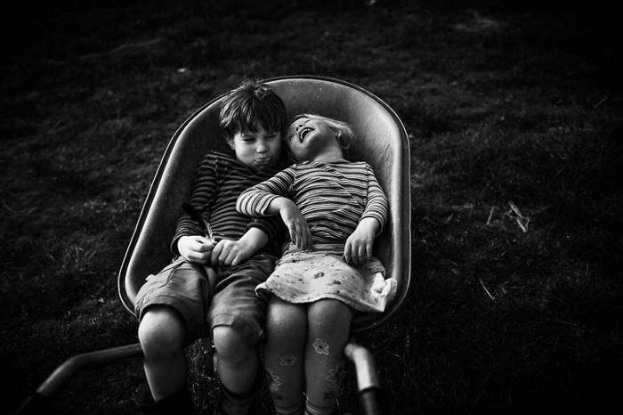 Брат и сестра. Фото: Niki Boon.