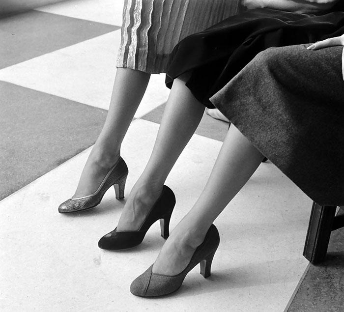 Туфли на каблуке. Фото: Nina Leen.