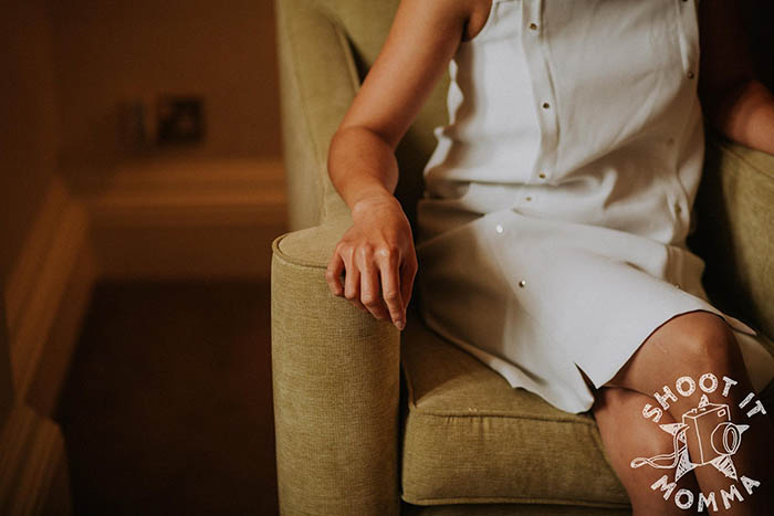 Если бы не привезли свадебный наряд, Натали пошла бы под венец в обычном белом платье, которое она купила накануне.