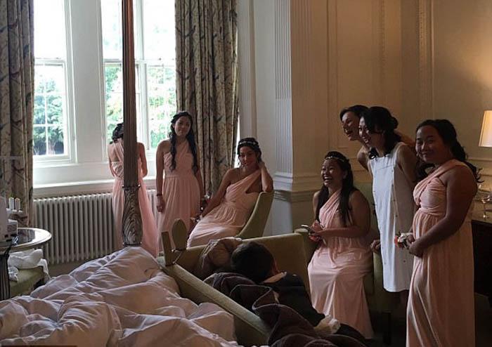 Для свадьбы было готово абсолютно все, кроме платья невесты.