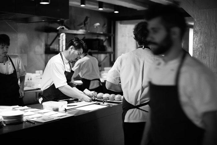 Работа на кухне Noma. Автор фото: Mikkel Jul Hvilshoj.