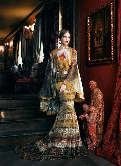 Дизайнером всех платьев выступила Светлана Лялина.