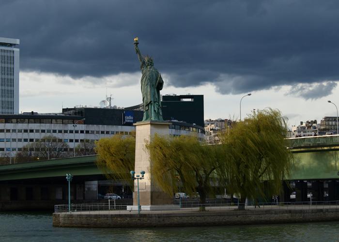 Статуя Свободы в Париже.  Фото: Amber Lacerta.