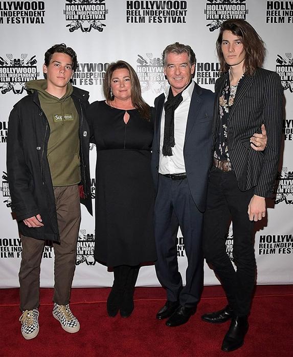 Пирс и Кили Шей со своими детьми.