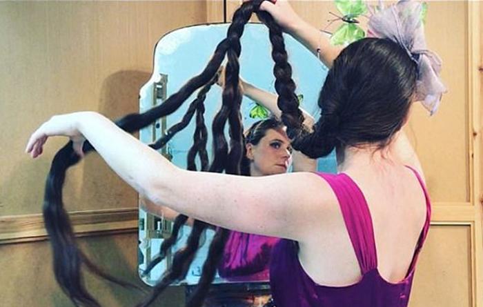 Фрэнки уверяет, что ей совсем нетрудно ухаживать за своими волосами.