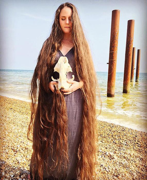 Сейчас волосы Фрэнки достигли более 180 см в длину.