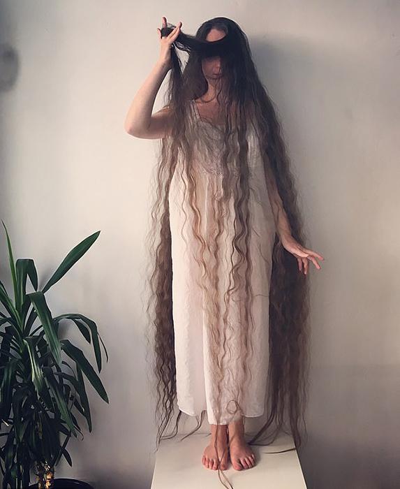 В 8 лет Фрэнки решила стать русалкой с длинными волосами, как в книжках у мамы.