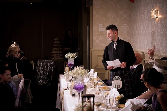 Реджина Вилли снимает свадьбу.