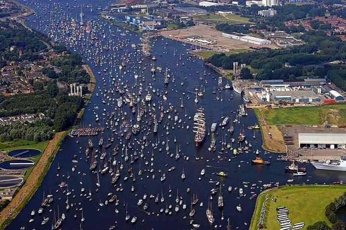 Взгляд на SAIL Amsterdam  сверху.