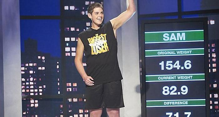 Так выглядел Сэм на финале реалити-шоу после того, как похудел на 71 кг.
