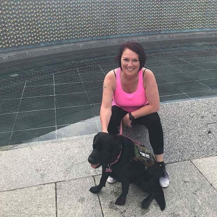 Лея Мишель и ее собака Лиззи.