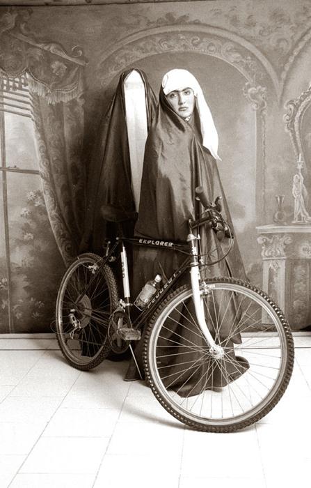 Женщины Ирана. Автор фото: Shadi Ghadirian.