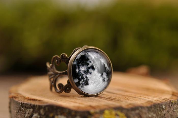 Перстень *Полнолуние*.