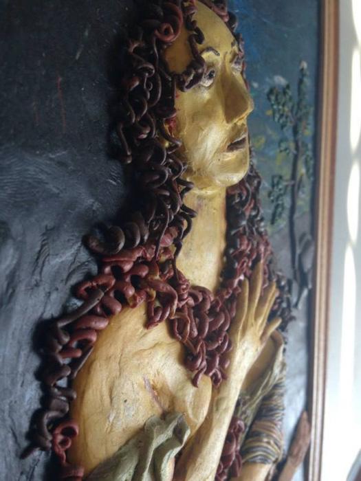 Светлана Постлега использует для своих работы обычный детский пластилин.